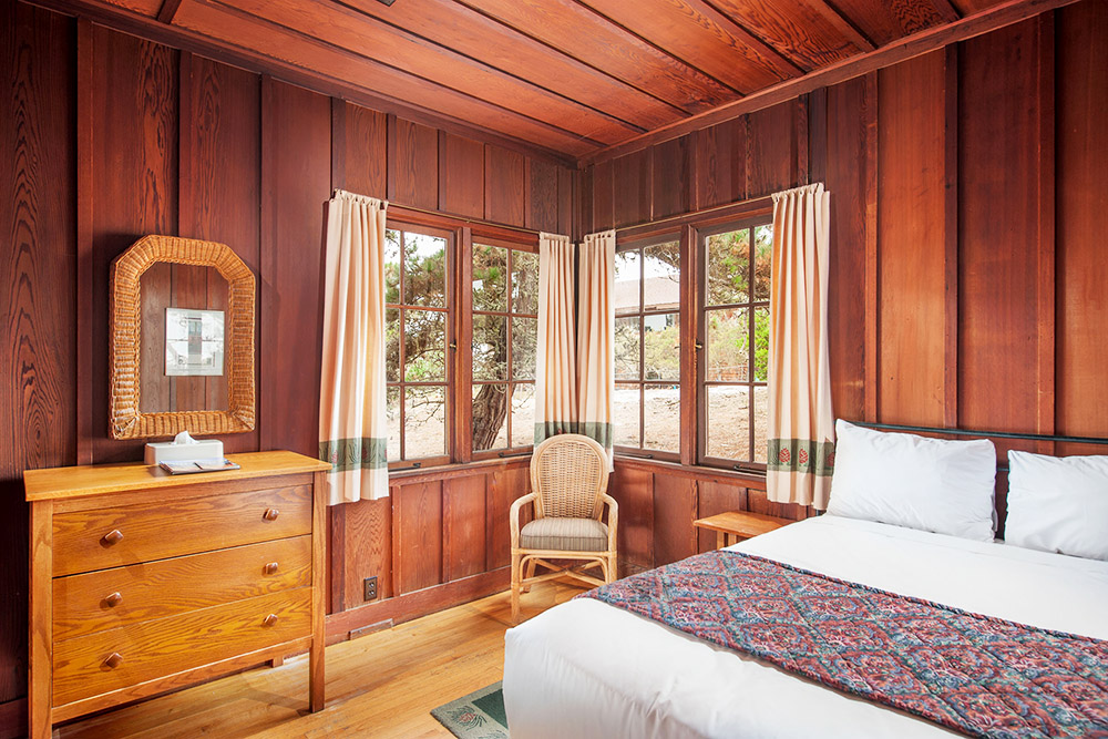 Asilomar Historic Room - Queen Bed