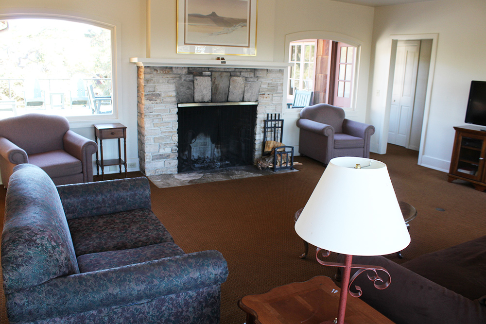 Directors Cottage - Living Room